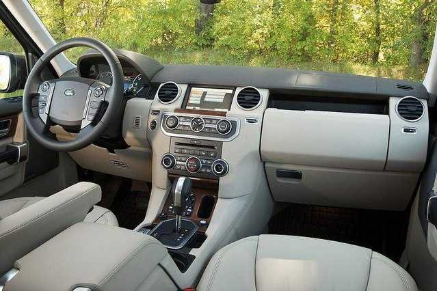 2011 Land Rover Lr4 Interior. The LR4#39;s interior boasts