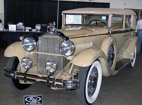 سيارات قديمة جدا بس روووووعة...... 30packardconv