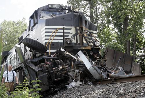 Railroadfan com • View topic - Train accident's Trenton Today